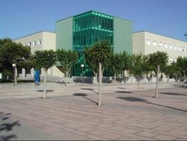 Edificio 3 Facultad filosofía y letras. Sala Aifos