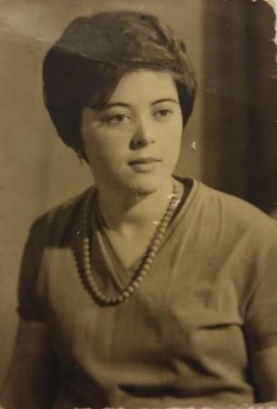 Antonia a los 18 años