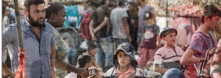 Refugiats al campament de Grècia.